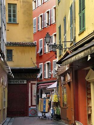 Le vieux nice rue du marche le comte de nice en images for Piscine vieux nice